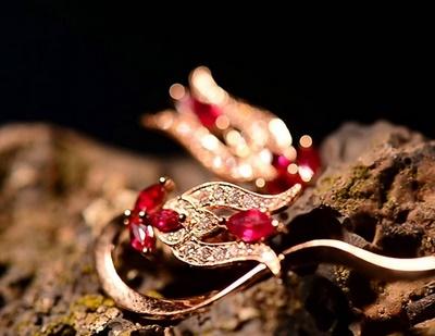 Mücevheriniz gerçek mi?